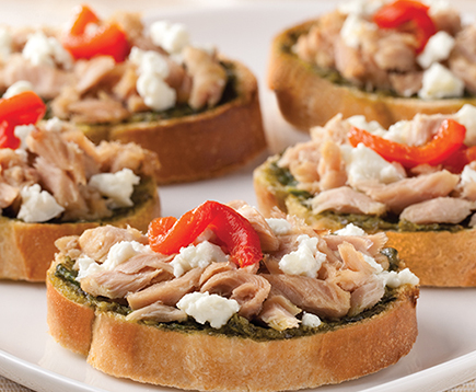 Roasted Garlic Tuna and Pesto Crostini